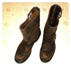 FRYE Victoria boots